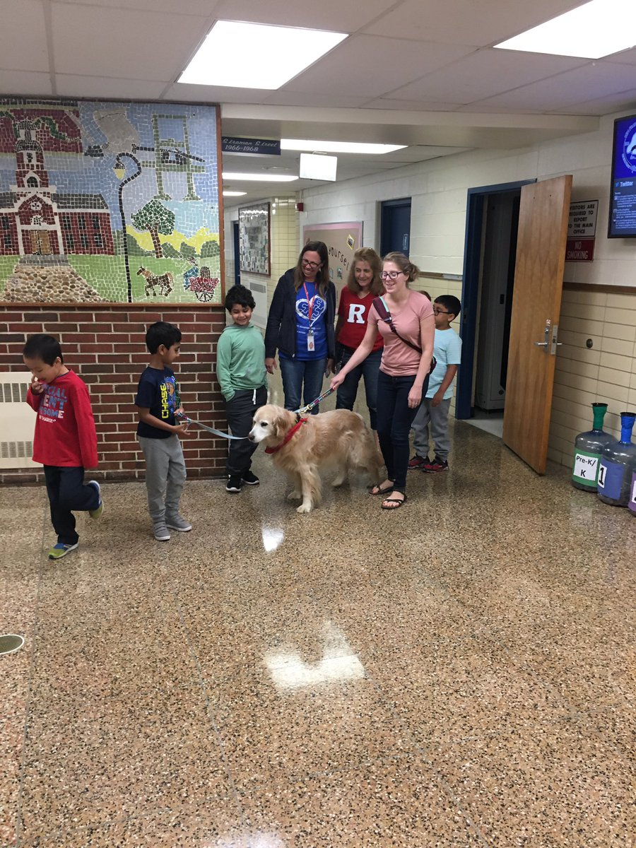 Sydney the therapy dog 🐕 visits @bfes_ltps and and teaches our kids kindness and empathy @michellebas22 #bfrocks