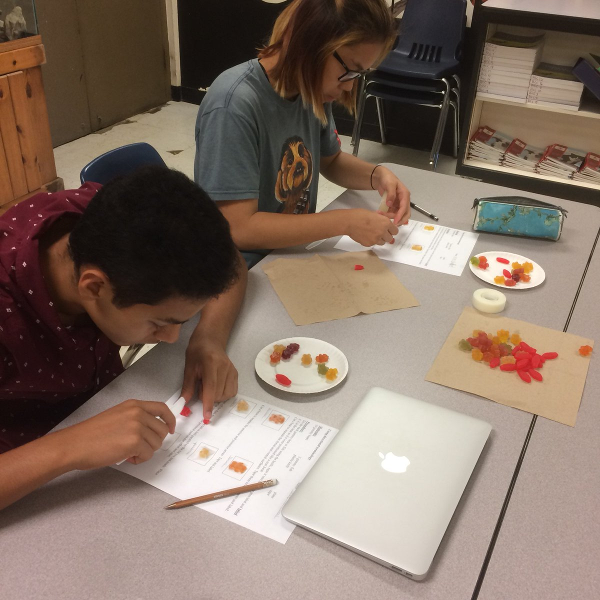 RT <a target='_blank' href='http://twitter.com/APS_AnimalSci'>@APS_AnimalSci</a>: Practicing directional terminology with gummy bears and Swedish fish. <a target='_blank' href='http://twitter.com/APSCareerCenter'>@APSCareerCenter</a> <a target='_blank' href='http://twitter.com/APS_CTAE'>@APS_CTAE</a> <a target='_blank' href='https://t.co/cN3HRyu2oI'>https://t.co/cN3HRyu2oI</a>