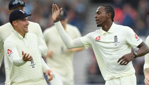 England have awarded central contracts to Jofra Archer and Rory Burns for the first time.More: https://bbc.in/2mmiaAN#bbccricket #ENG