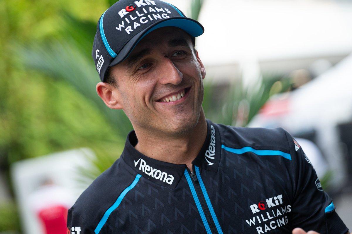 Jedziemy dalej🙂 Pierwsze treningi na torze Marina Bay Street Circuit za nami, a już w niedzielę wyścig o Grand Prix Singapuru🔥 Robert #Kubica jesteśmy z Tobą❗️  #ORLENTeam #SupportKubica