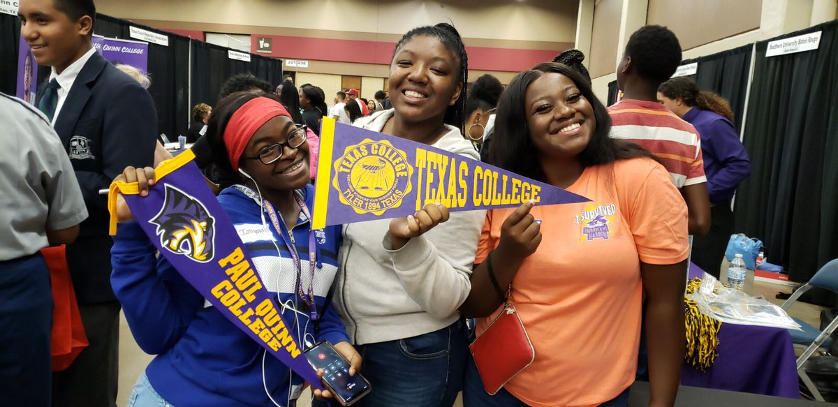Dunbar scholars had a great time at the FWISD College Night this past Monday!! Nothing but opportunity awaits!!