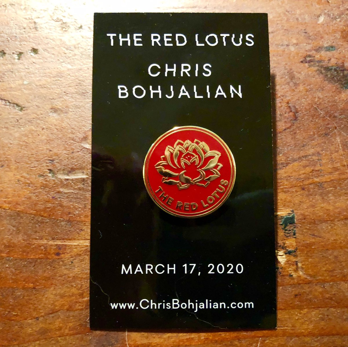 Galleys of THE RED LOTUS are on the way. Accompanying many of them? This beautiful red lotus pin and bookmark that @doubledaybooks designed. The thriller is set in Vietnam and Manhattan. Deepest thanks, as always, to the 13th floor! #fridayreads <br>http://pic.twitter.com/WzREbchKSU