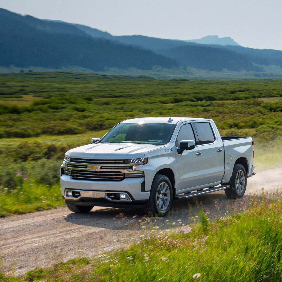 Imagine yourself enjoying all the comforts of the #Silverado. Tag your road trip buddy.