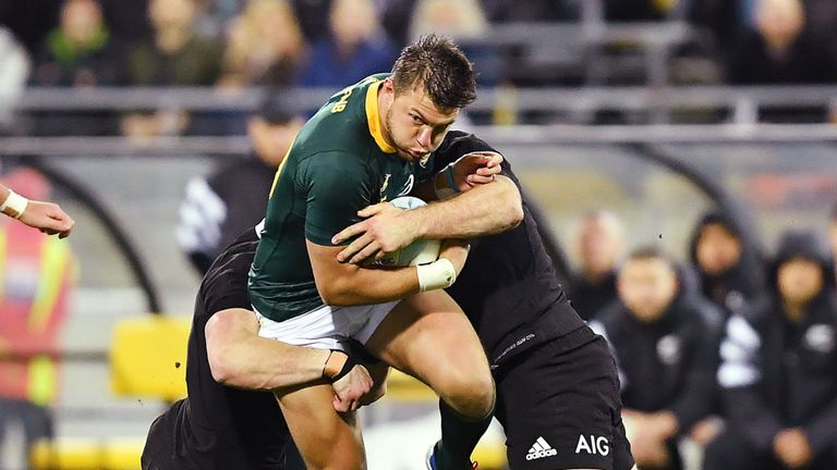 test Twitter Media - Will South Africa end New Zealand's run? 🏉  New Zealand 🇳🇿 have never lost a World Cup pool game but South Africa 🇿🇦 are determined to change that tomorrow.  👉 More here: https://t.co/z8ifjrqN9S https://t.co/PiYSh3dFEq