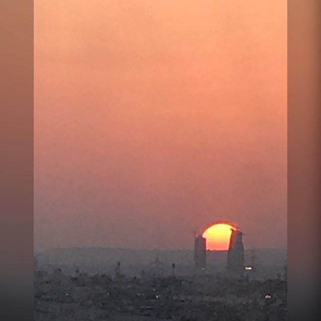 And the sun sets over Riyadh, Saudi Arabia at 5:52 PM and it's a balmy 102° #sunset #traveler #hothothot #nofilter