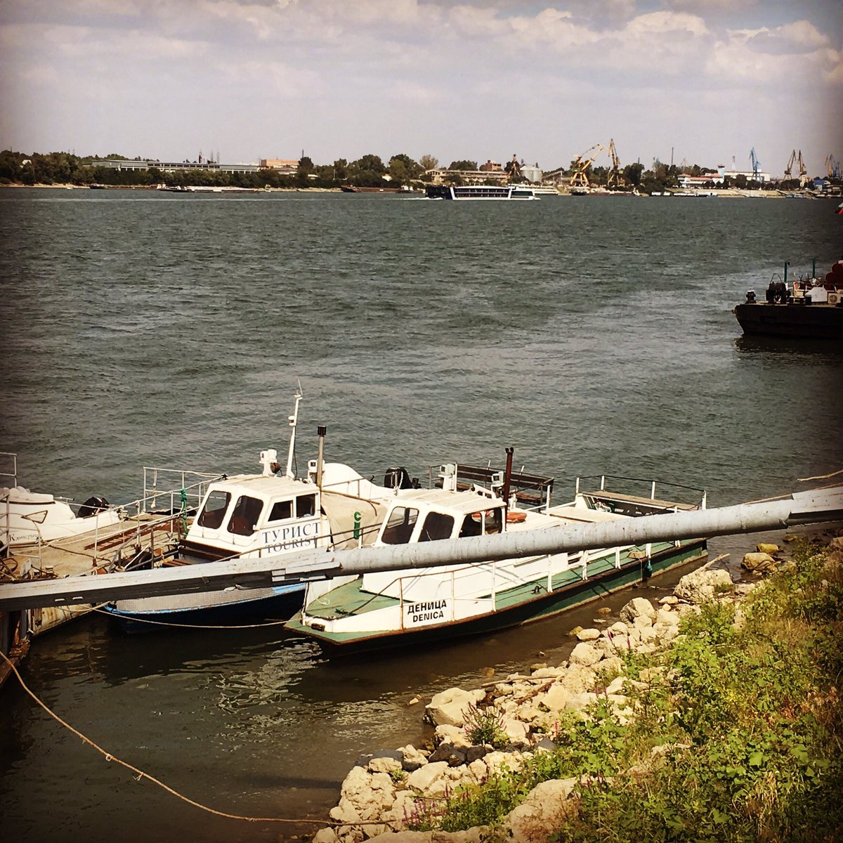 Come see a magnificent Danube and join the #rusesummerfreetour experience - tomorrow @ 6pm at the Statue of Liberty 🇧🇬🔆#ruse #bulgaria