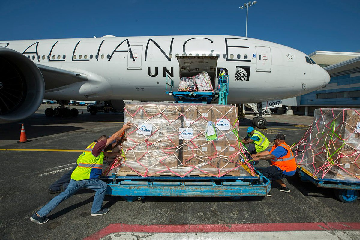 On board United's humanitarian flight to the Bahamas: - Nearly 100 aid workers from across the country - 200,000 meals - 4,460 hygiene and sanitation supplies. The need for help remains urgent. Learn more and contribute to our Crowdrise campaign here: uafly.co/BX99I9