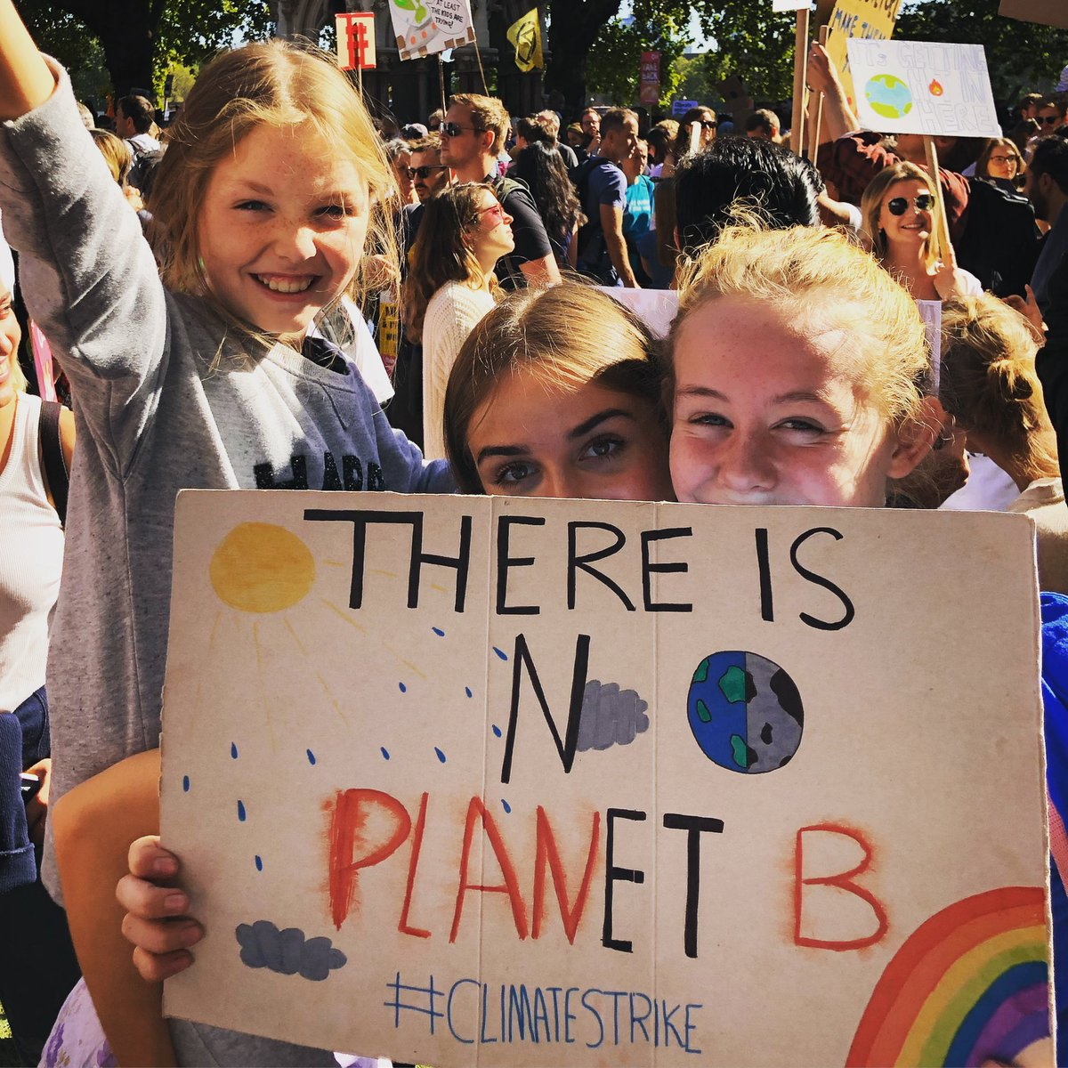 Very proud that all three of my girls were at the #ClimateStrike in Westminster fighting for their future. 🌍💚🌍💚🌍💚✊