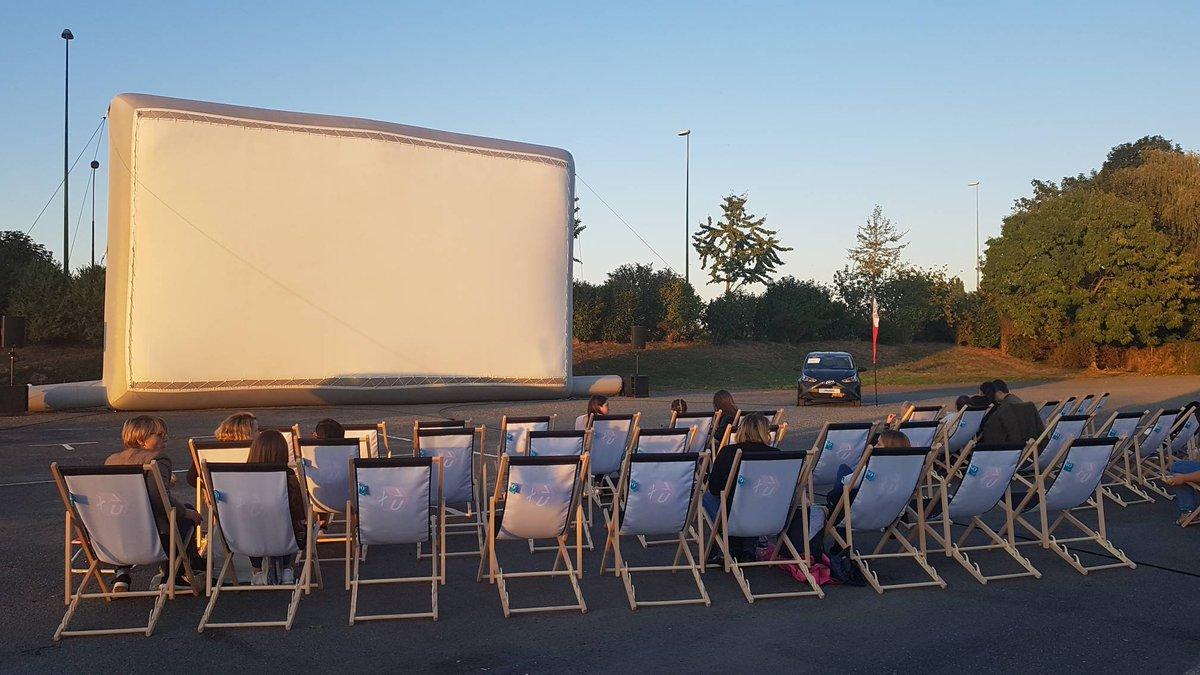 Prenez place pour la séance ciné Grease version karaoké à la #FoiredeCaen avec Cinéma Lux. Début dans quelques minutes. Il est encore temps de venir. Entrée gratuite à la Foire. https://t.co/Nn66k2cqh4