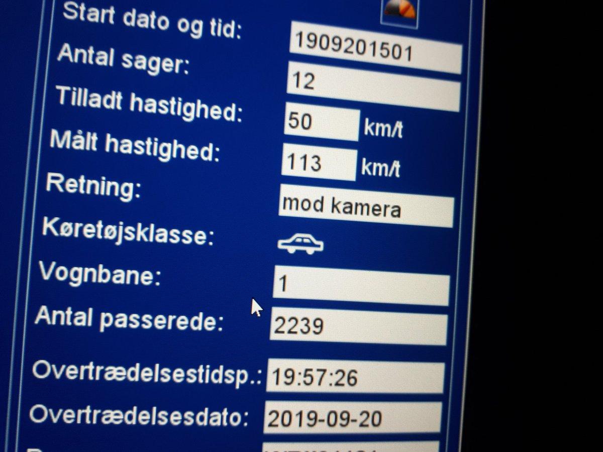 Så blev der lige taget en vanvidsbilist på Strandby Kirkevej i Esbjerg med 113 km i timen i en byzone, det er totalt vanvittigt og hensynsløst. Ingen kørekort mere. #atkdk #politidk https://t.co/00OEjdCCof