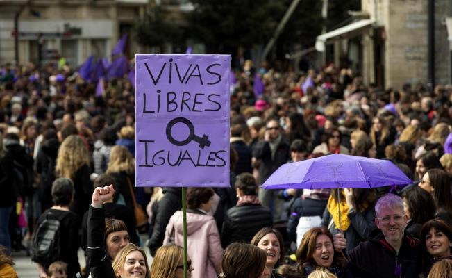 Cobertura mediática del movimiento feminista #Opinión de Aleida Azamarhttp://eluni.mx/ciwsu_jzdh