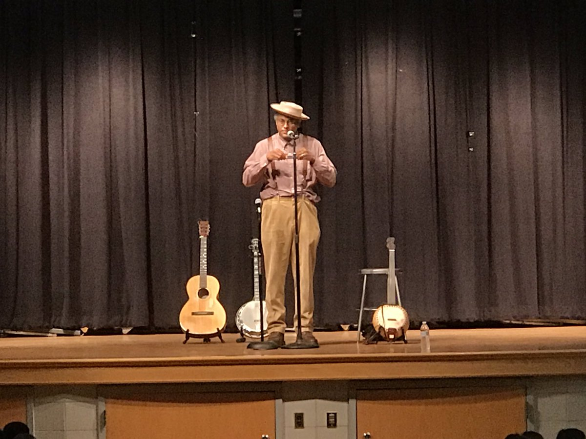 Ended the week with an amazing performance by <a target='_blank' href='http://twitter.com/domflemons'>@domflemons</a>. Thanks to our wonderful PTA! <a target='_blank' href='https://t.co/vGsNV73H1w'>https://t.co/vGsNV73H1w</a>