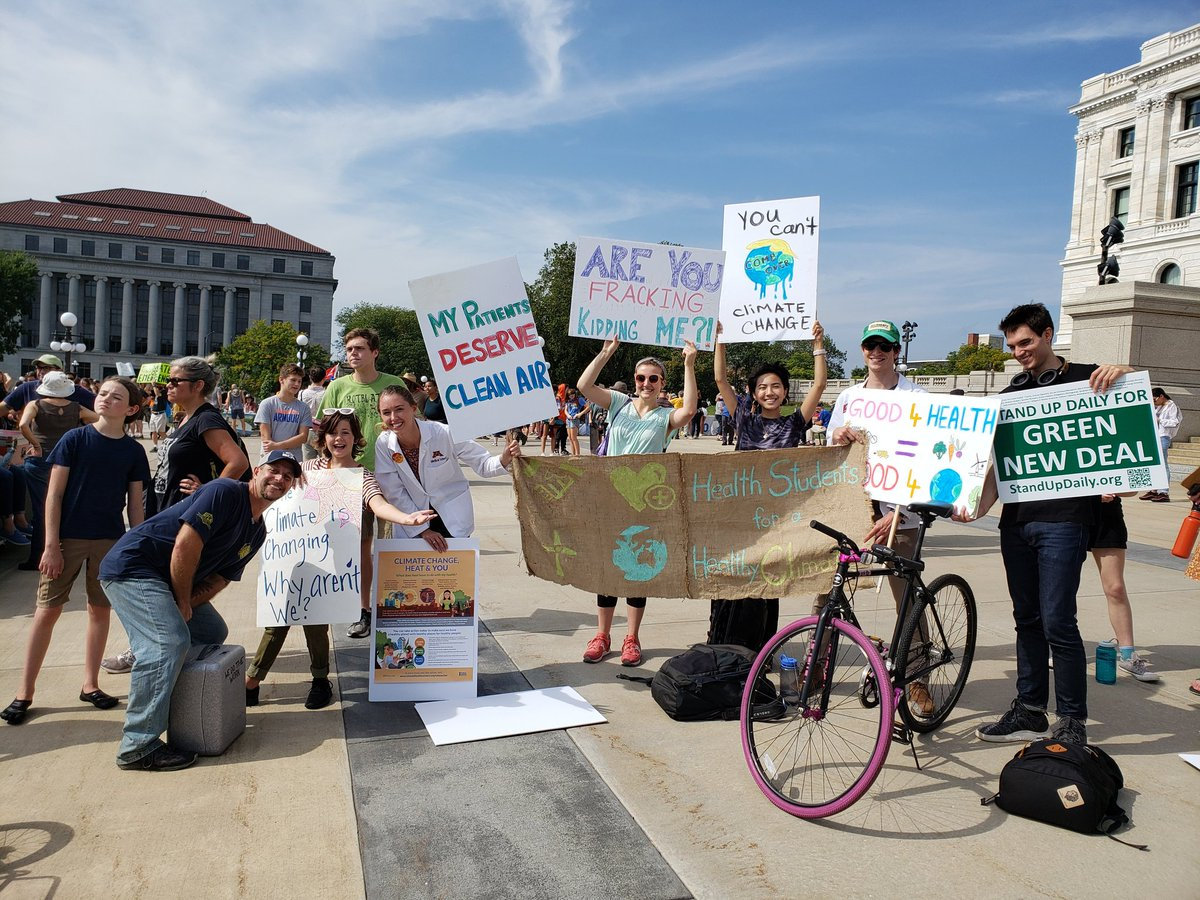 So so proud of health students for healthy climate at the #ClimateStrike!! @HP4HC #ClimateChangesHealth