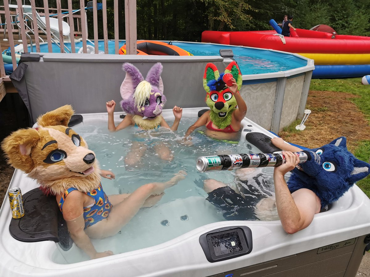 It's the fursuiters only hot tub #FursuitFriday<br>http://pic.twitter.com/bcmylITfcN