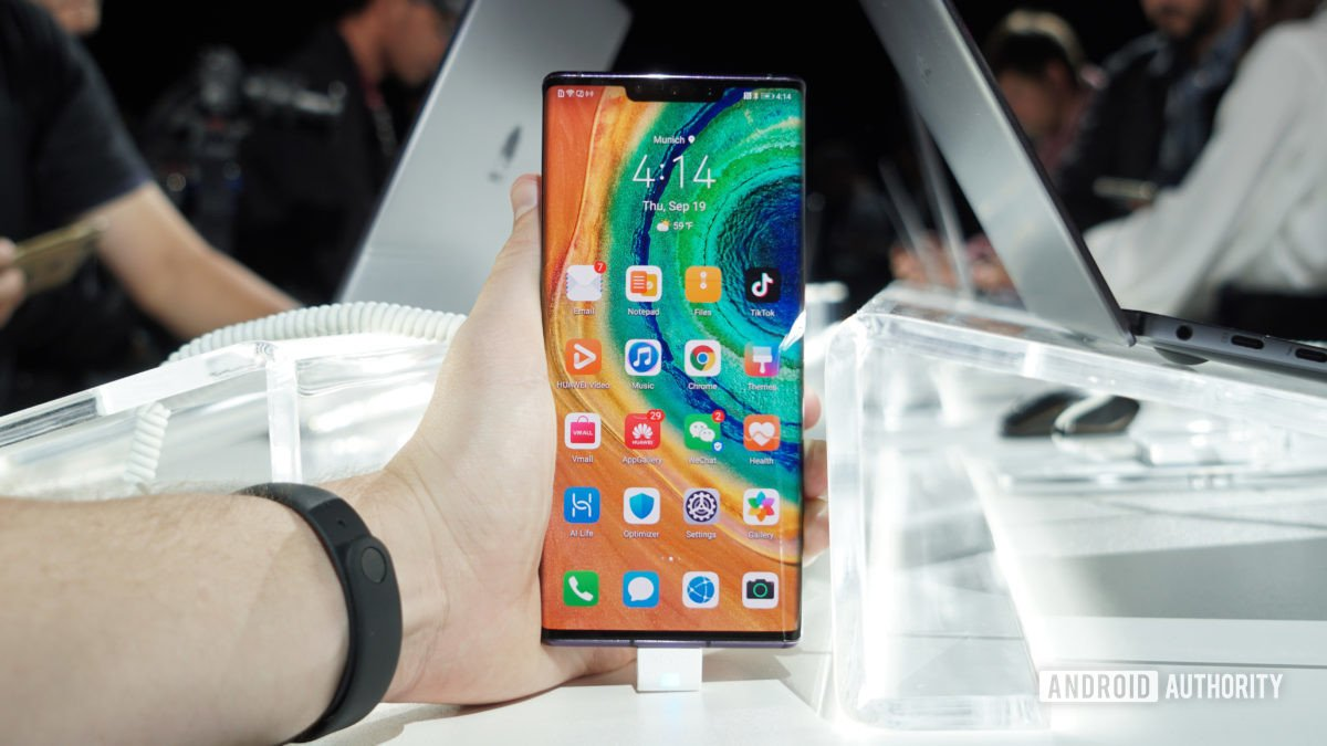 Huawei says it is planning to let users unlock the Mate 30 bootloader, which will make it easier for - Top Tweets Photo
