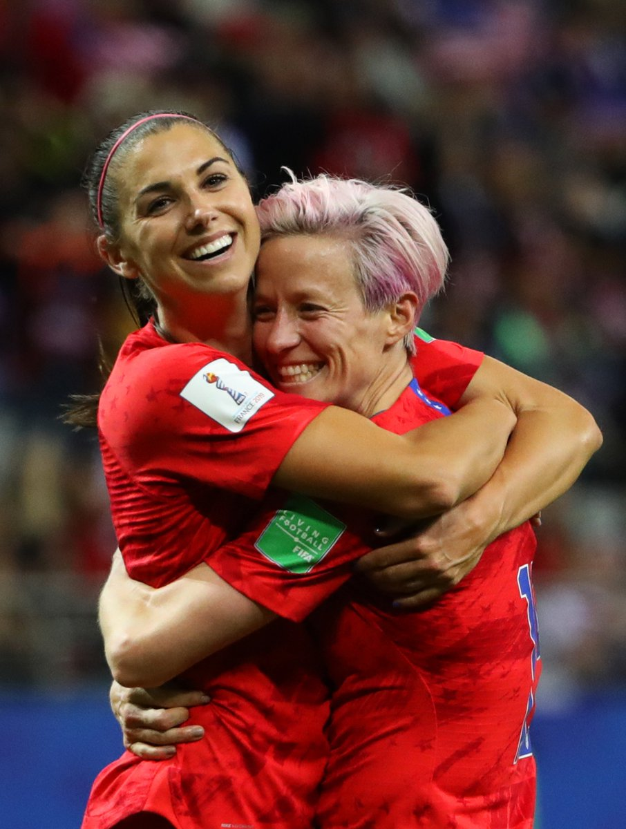 #AM13 x #Pinoe 🇺🇸 Team-mates🏆 Finalists for The Best FIFA Women's Player😃#FridayFeeling #TheBest | #FIFAFootballAwards