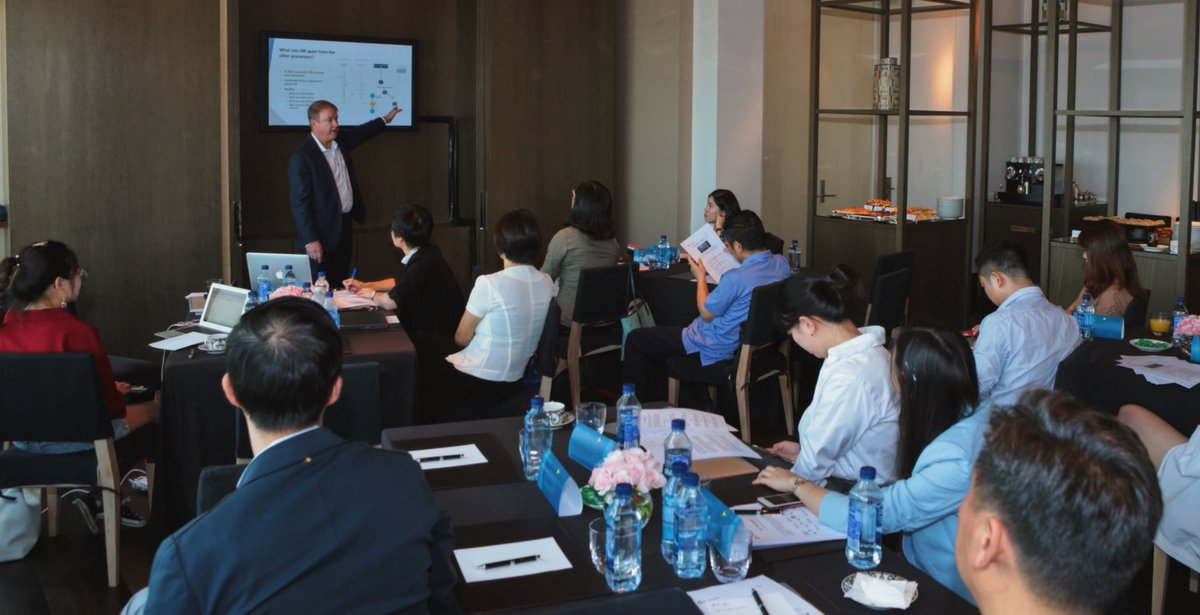Yesterday, ChromaDex held media and influencer discussions in Shanghai to discuss the importance of #CellularHealth and the clinical evidence behind Tru Niagen®. ChromaDex Co-Founder, @JakschFrank presented on the exciting research taking place in the area of #HealthyAging.