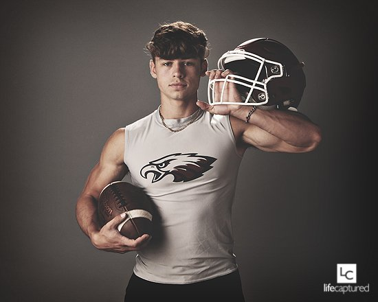 Game day!!  Excited for all the area football teams and their games tonight!  Here's an image from Joplin senior model Garrett!    Book your senior session now!  Fall colors will be starting soon!  #footballseason #gamenight #seniorpics #senior2020<br>http://pic.twitter.com/9MXVlysTUg
