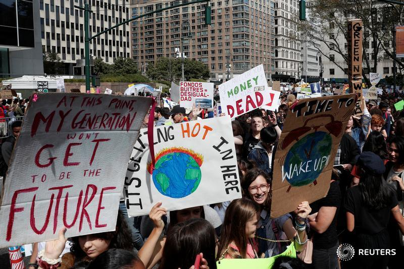Thousands of New Yorkers join @GretaThunberg's #FridaysforFuture global strike to call for urgent action to address climate change https://reut.rs/2Ob6ywn