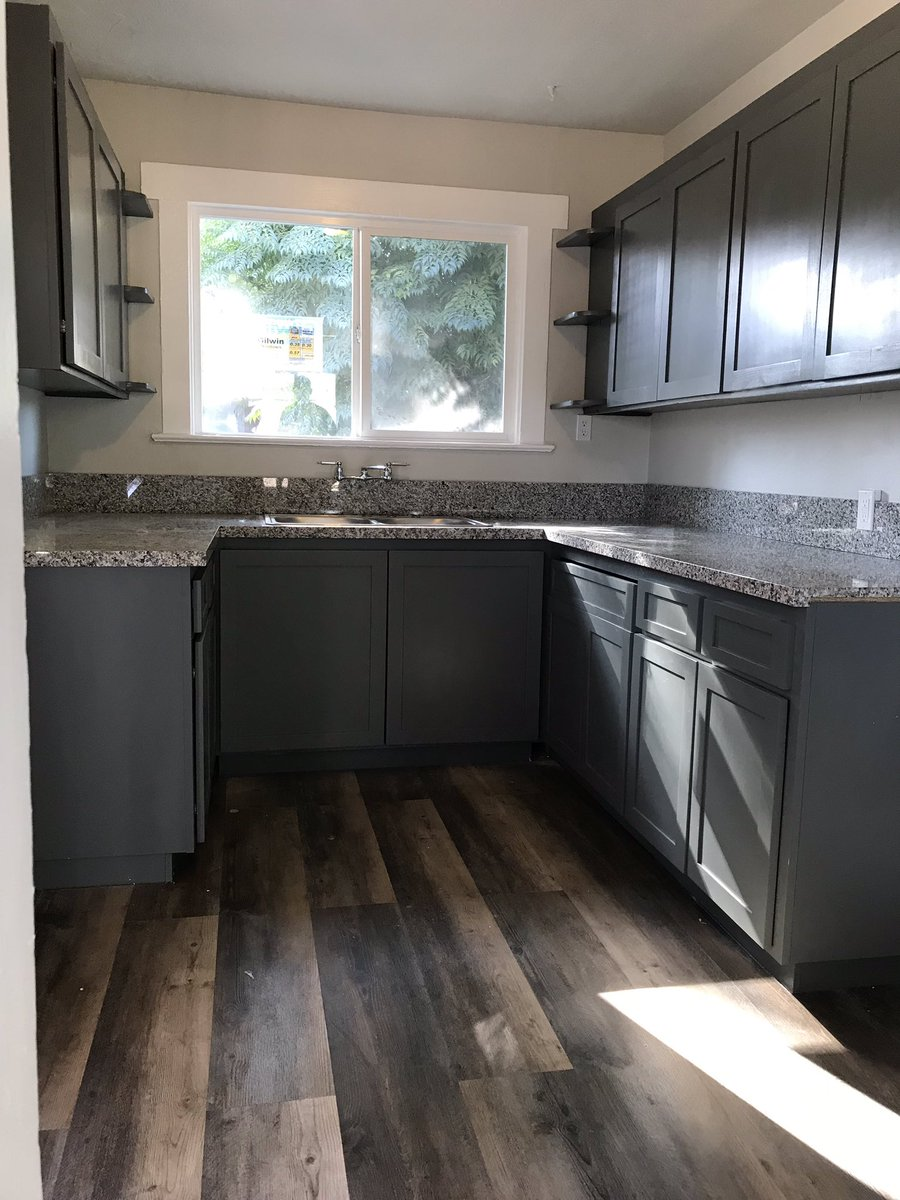 Kitchen in Pride of Ownership Rental- Cash Flow in California #yes #easy #rentsl #investing #freedom #weath #onerentalatatime pic.twitter.com/HUaIx8inHM