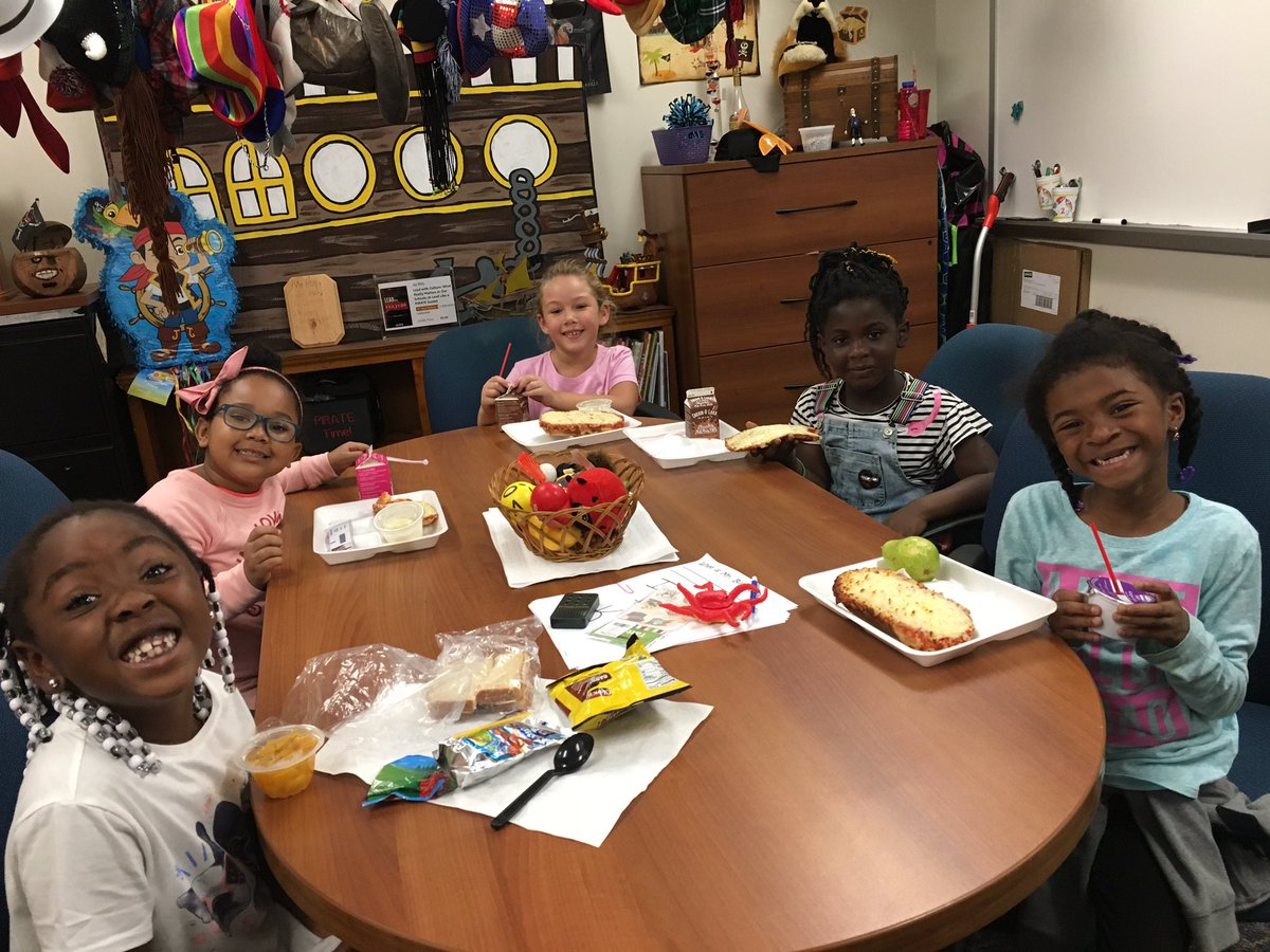 My Friday lunch crew @bfes_ltps #bfrocks #relationships