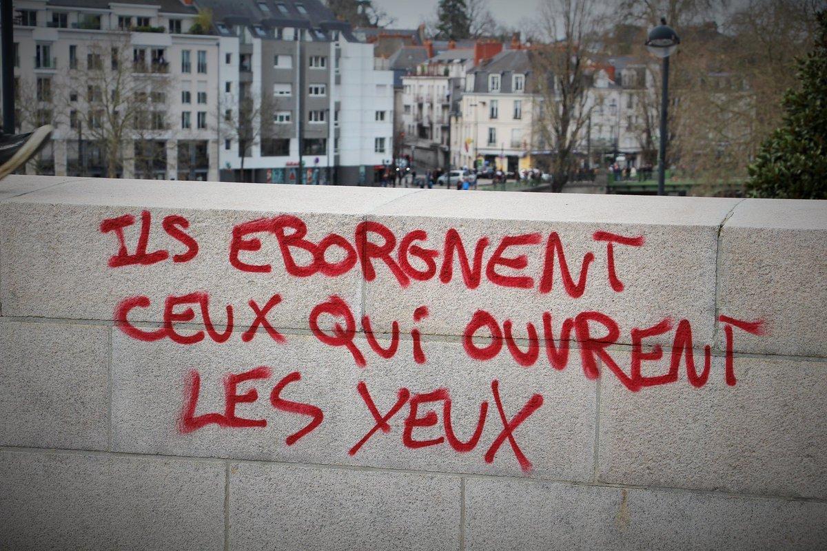 #GiletsJaunes.. Pour STEEVE ... #Acte45 #GrèveGénérale<br>http://pic.twitter.com/As37mYKmWI