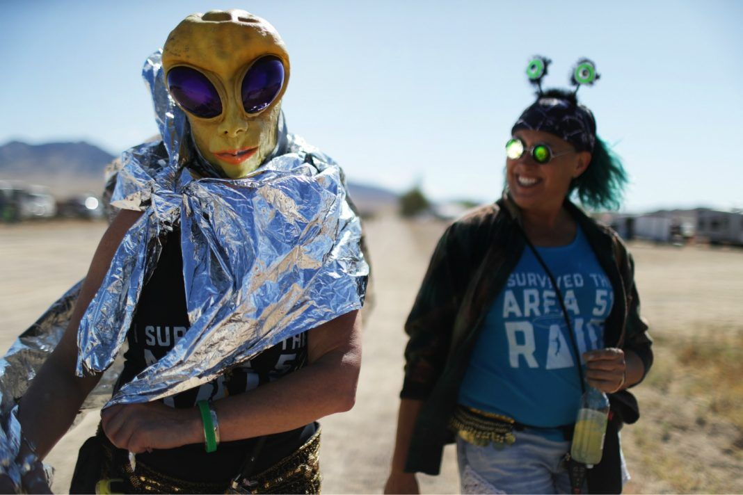 """Only a handful of people showed up to """"raid"""" #Area51, but it still got weird buff.ly/30uBMkM"""