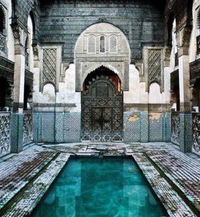 Islamic architecture is so beautiful  <br>http://pic.twitter.com/kuTQ6Onx2I
