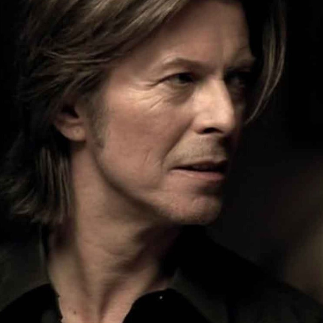 On September 20th 1999 David Bowie released another top 20 single, the Bowie/Gabrels composition Thursday's Child, a couple of weeks ahead of the 'hours...' album, from whence it came. Watch the full length version on the official David Bowie Facebook page  https:// smarturl.it/ThursdayChildV idDBFB  … <br>http://pic.twitter.com/9RMv7Cgl8I