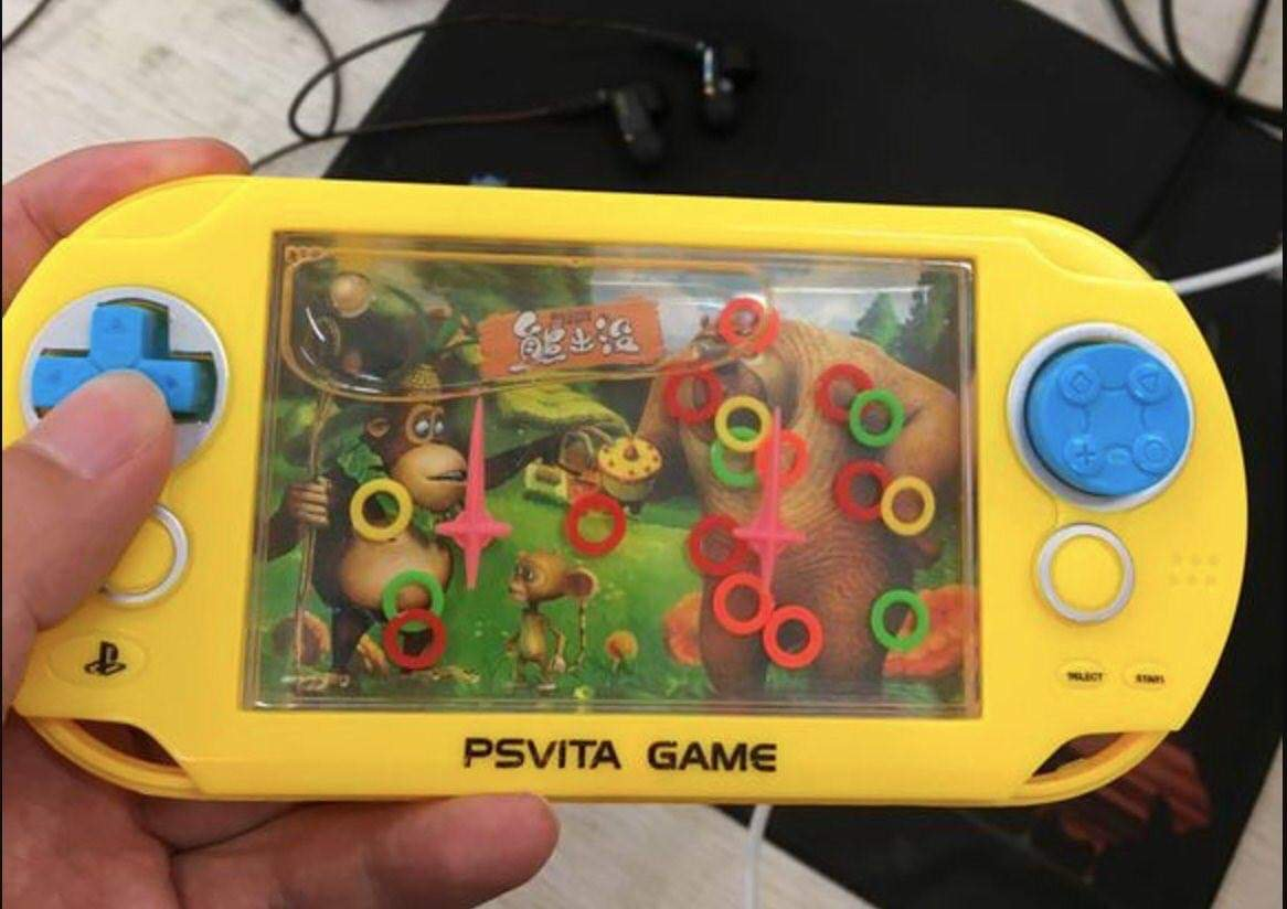 Having a blast playing Tropical Freeze on my new Nintendo Switch Lite! <br>http://pic.twitter.com/cMXPBPvbFY