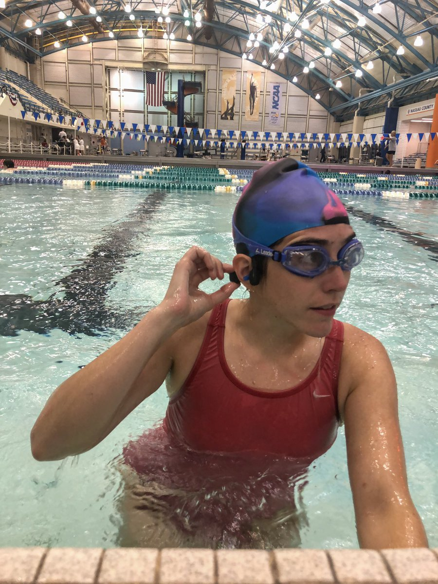 Got in 1000 yds tonight - love that with my new @AfterShokz Xtrainerz I can select my music while I'm swimming! The built in MP3 player can be organized into folders, so I have the option to pick specific playlists or albums  #bibchat #xtrainersbr #bibravepro <br>http://pic.twitter.com/vkpwdXPZgk
