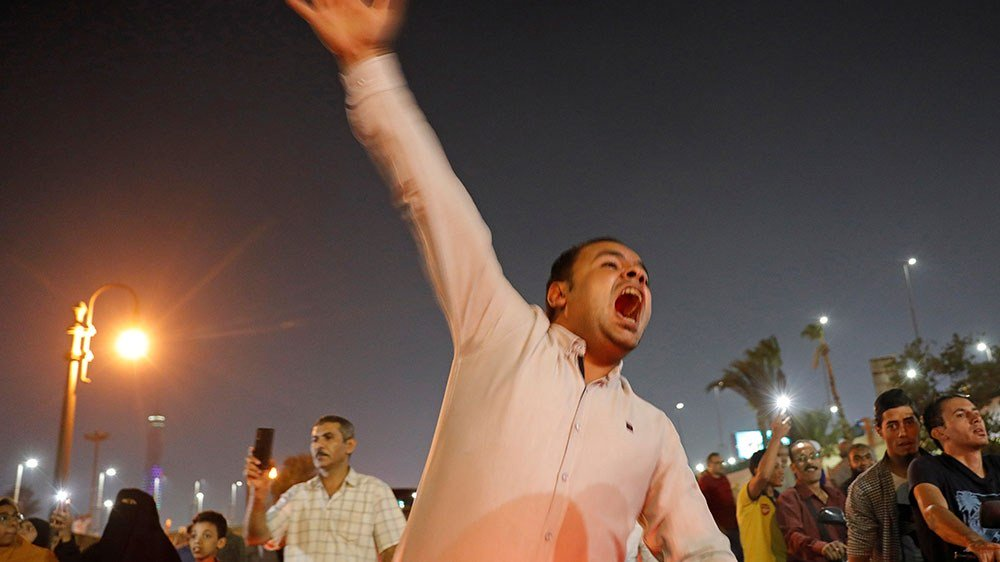 In rare protests, Egyptians demand President Sisis removal - Top Tweets Photo
