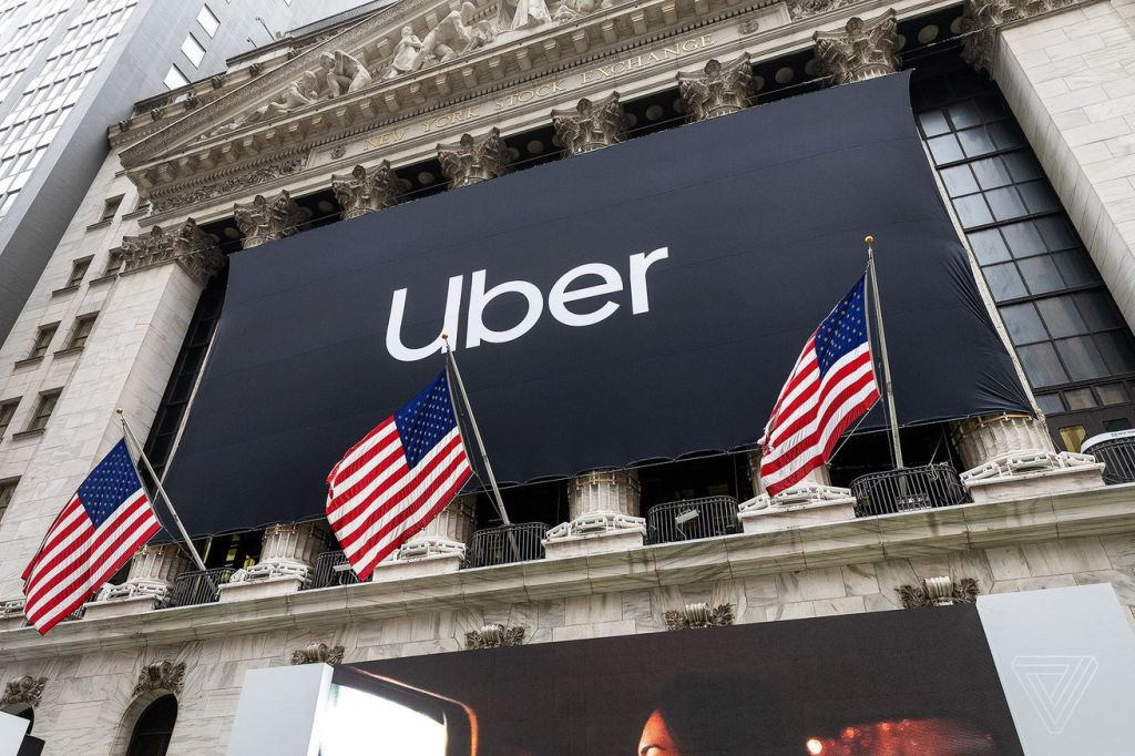 Uber sues New York City, says cruising cap threatens its business model - Top Tweets Photo