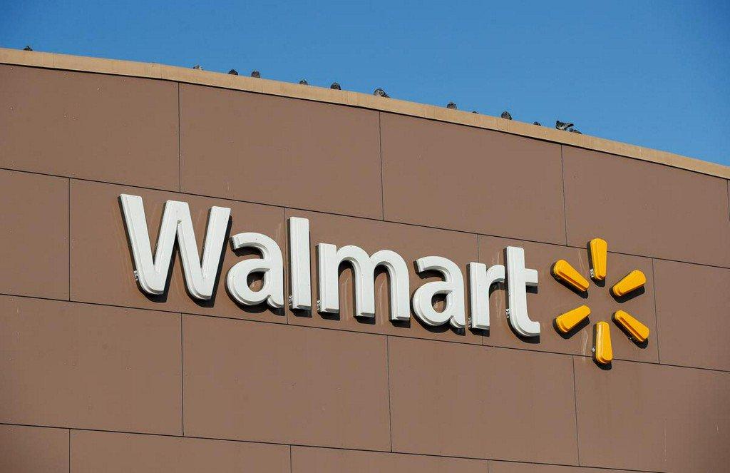 Walmart to stop sales of e-cigarettes in U.S. stores: company memo https://www.reuters.com/article/us-walmart-cigarettes-idUSKBN1W523O?utm_campaign=trueAnthem%3A+Trending+Content&utm_content=5d859839bf0aaa0001983a65&utm_medium=trueAnthem&utm_source=twitter…