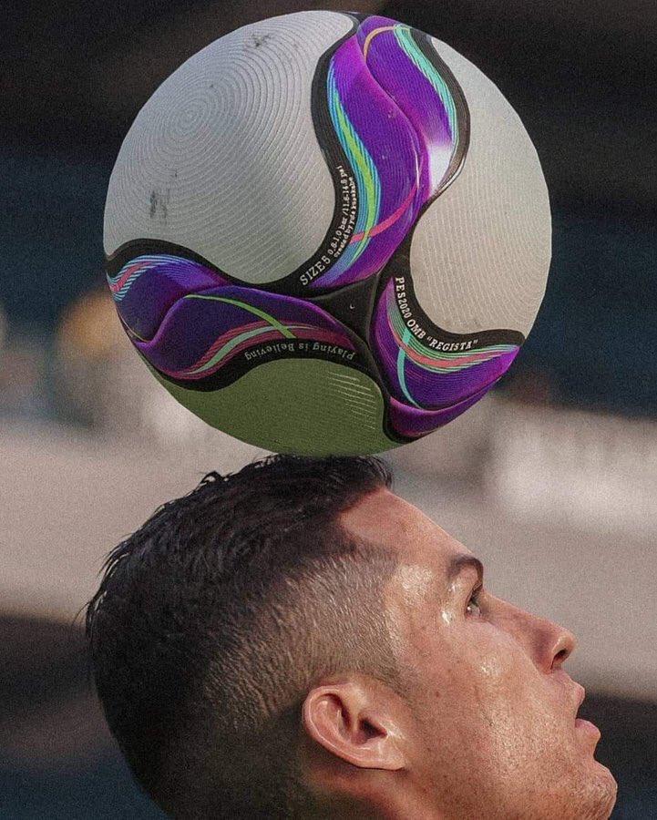 Photos of Football's tweet -