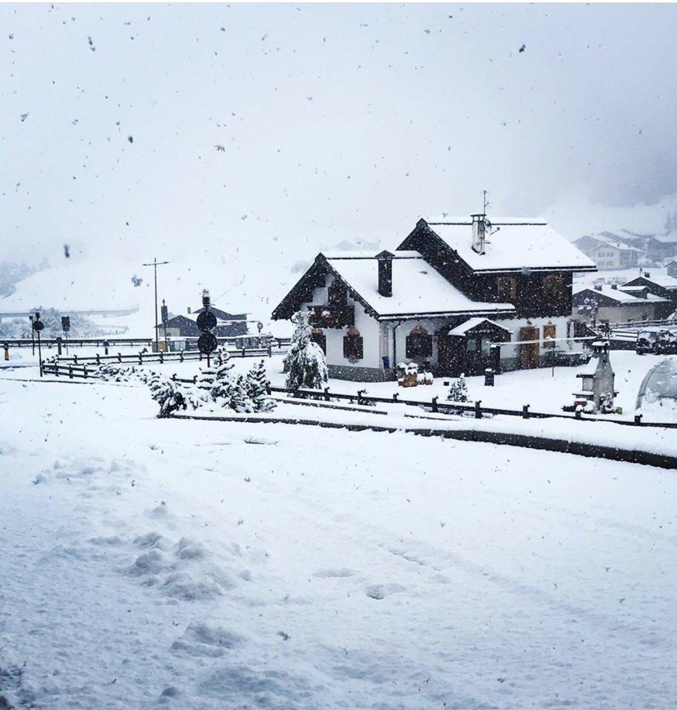 RT @inLOMBARDIA: Estate #inLombardia Prima nevicat...