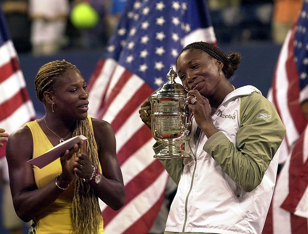 #OnThisDay in 2001, Venus beat Serena 6-2 6-4 to win the #USOpen. It was the first Grand Slam final to feature two sisters since 1884!