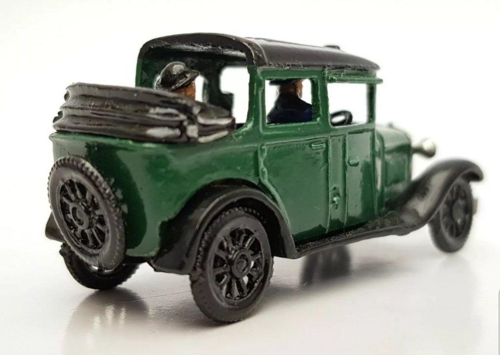 1930 PRE-WAR FORD 10 cwt VAN 00 GAUGE 1//76 4MM METAL MODEL KIT SPOKED WHEELS