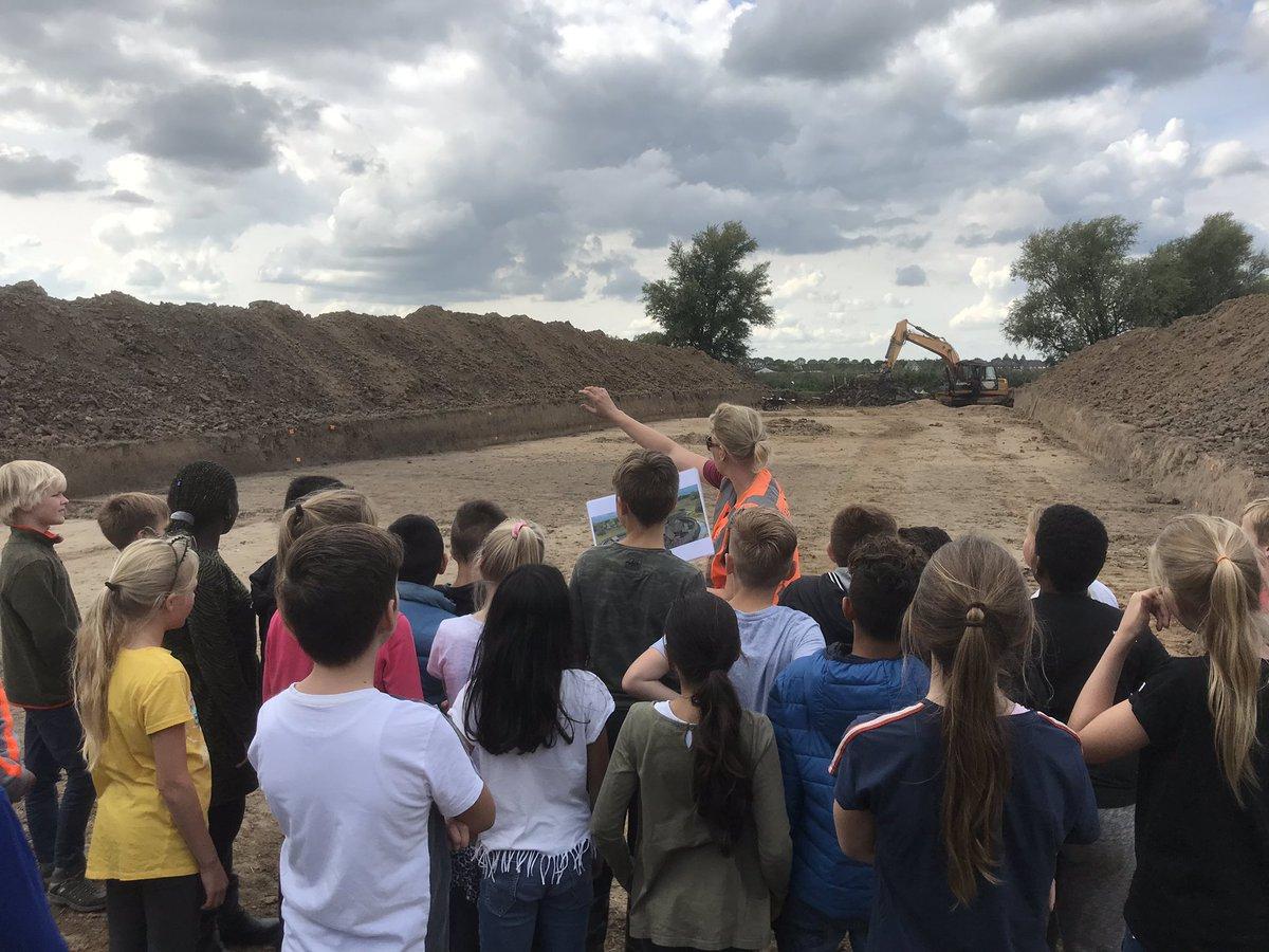 test Twitter Media - Groep 7 en 8 heeft vanmiddag de archeologische vindplaats aan de Duitse Weistraat bezocht. Hier heeft  tussen 1280 en 1320 ongeveer de zogenaamde Motteburcht te Driel gestaan. https://t.co/1p2n9MCiYE