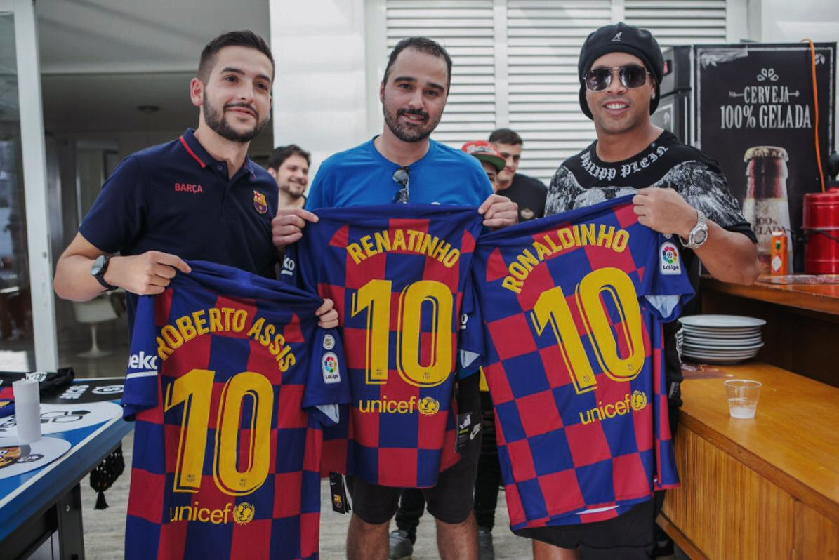 The last day in #riodejaneiro was special. @AlexAlguacil8 had the honour to spend the day with @10Ronaldinho. ⚽️😎 We want to say a special thank you to @eligasul for hosting the team and creating this unforgettable experience for us‼️ 🇧🇷😉