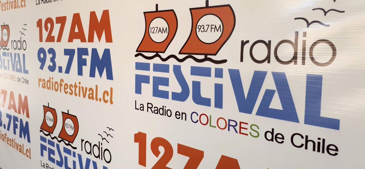 Las tardes de Lunes #LaSobremesa  es junto a @claudiogomezd y el abogado #MatiasMundaca¿Consultas?☎️Fono Festival 32268 4251