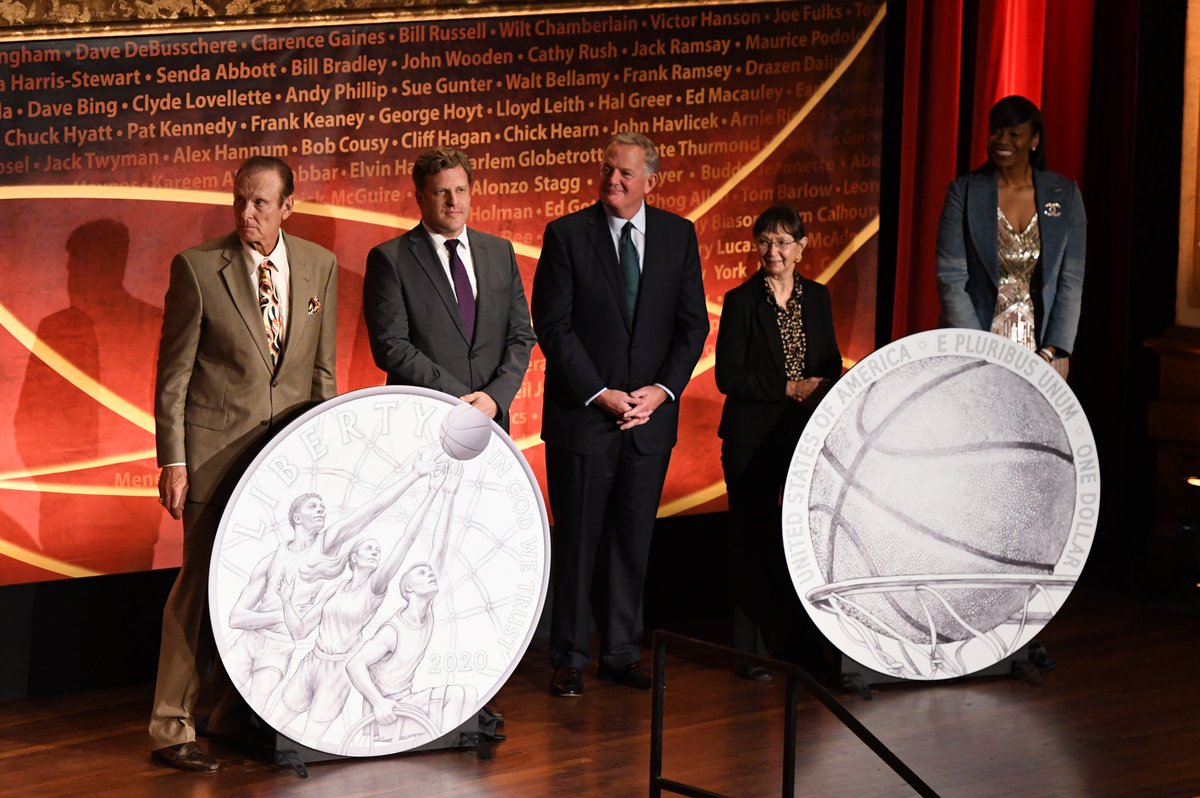 We were excited to showcase our 60th Anniversary Commemorative Coin at the 2019 Enshrinement Ceremony! To learn more about the coin visit the link below. #HoophallCoin   💻: https://bit.ly/2MKc6Or