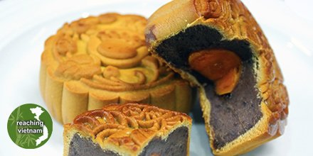 "test Twitter Media - Mooncakes are in abundance days and weeks before Mid-Autumn Festival. Would you pray for Vietnamese believers to see opportunities to share the joy they have with friends and families? ""And the disciples were filled with joy and the Holy Spirit."" Acts 13:52 #pray4vietnam https://t.co/d87cy82kAd"