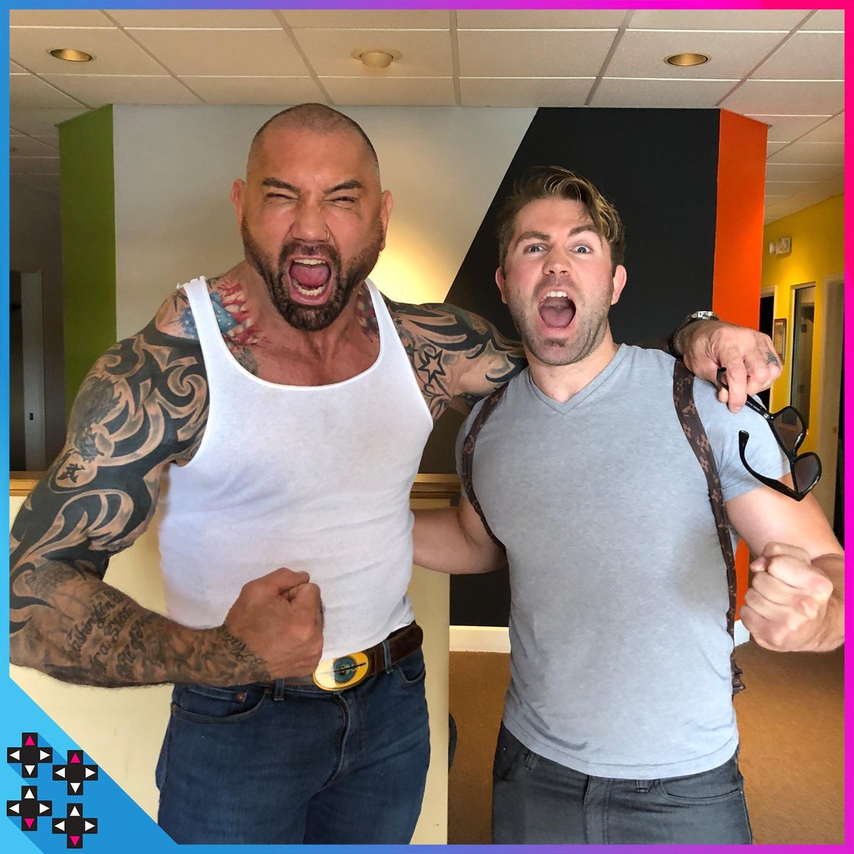 Get a look behind the scenes as The Animal is UNLEASHED when @DaveBautista joins @GearsofWar 5 as Marcus Fenix! https://www.youtube.com/watch?v=bDHjwydduPo&t=2s&sf219069532=1… Also, @MmmGorgeous got an EXCLUSIVE interview with #Batista and not @XavierWoodsPhD... https://www.youtube.com/watch?v=e6DW-MfkAbE&sf219069532=1… @Xbox #Gears5