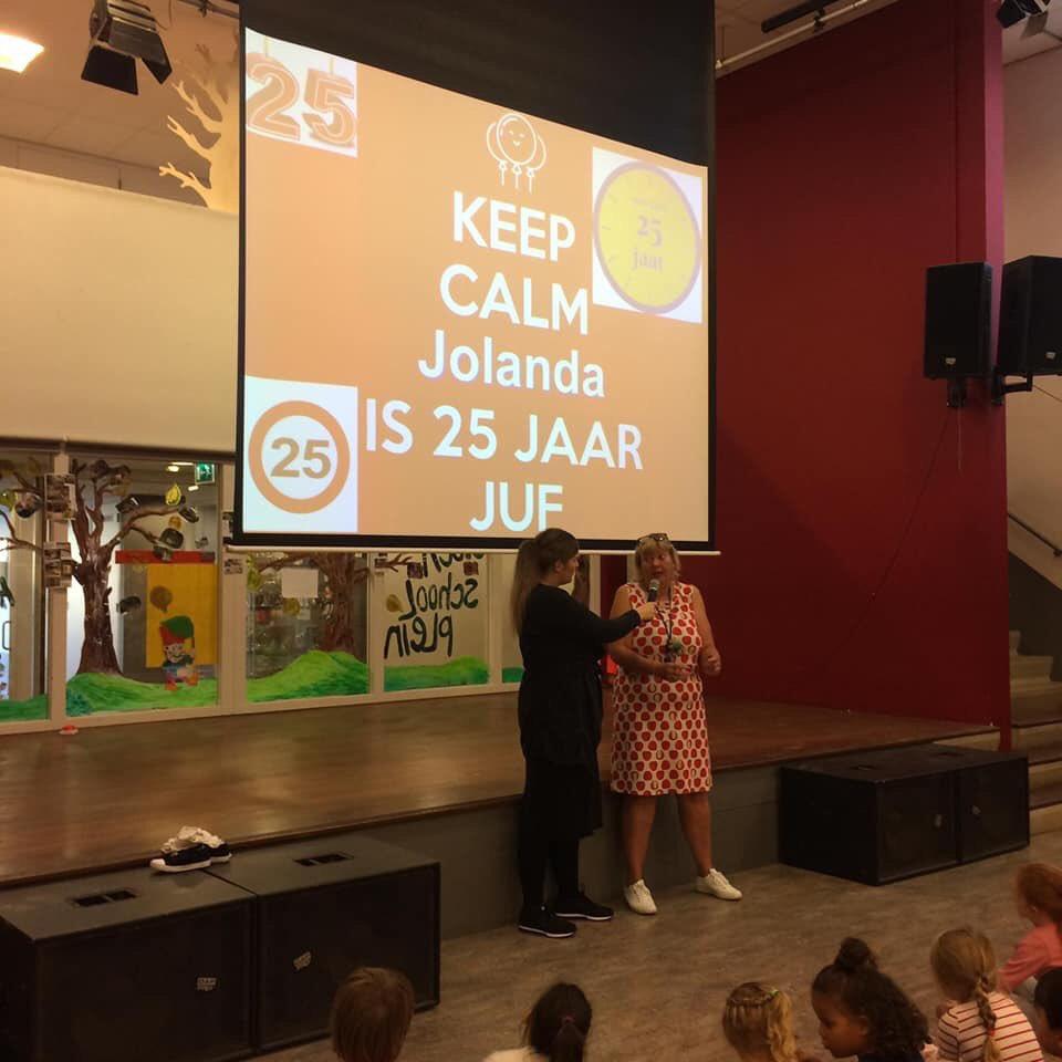test Twitter Media - RT @De_Lichtstraat: Speciale dag vandaag op @De_Lichtstraat onze lieve juf Jolanda zit 25jaar in het onderwijs💪🏼🤗 https://t.co/Sqx72HHT7P