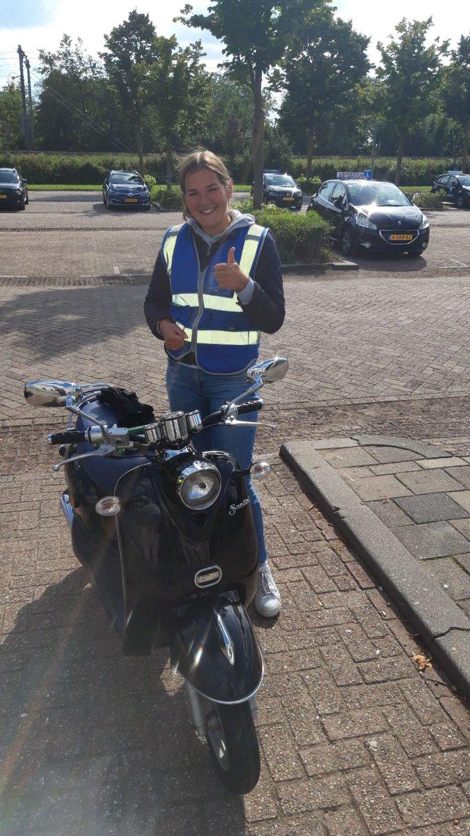 test Twitter Media - Lisanne Kooijman van harte gefeliciteerd met het in 1x behalen van je scooterrijbewijs! https://t.co/QzJphF9t27