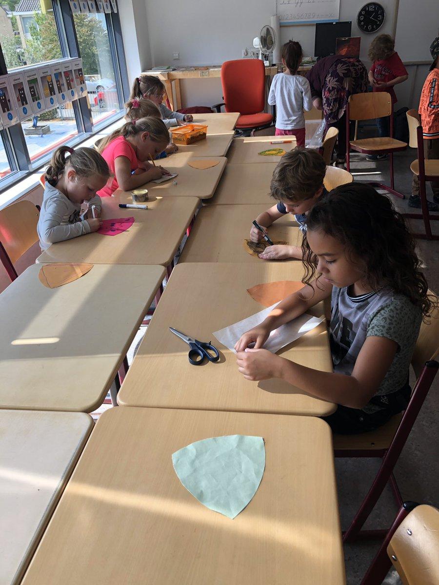"""test Twitter Media - Ook alle kinderen van @De_Lichtstraat werken mee aan """"De Bevrijdingsrok"""" in het kader van 75jaar bevrijding van Vught @PlazaCultura @ErfgoedBrabant https://t.co/DHZPxDF107"""
