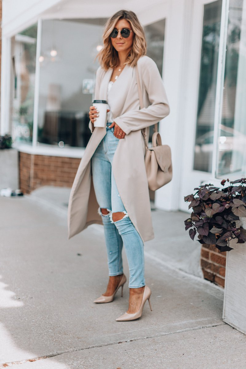 The perfect coat to transition to fall. @express #expresspartner #wiw https://t.co/blV5tkWKr4 #ad https://t.co/gUIsR8ejpB