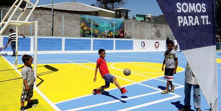 ➤ Canchas deportivas y parques públicos están exoneradas del pago de energía eléctrica. VER MÁS DETALLES AQUÍ → http://bit.ly/2m8IHlb #Honduras #ElDiarioHN #Canchasdeportivas pic.twitter.com/2R5hcJpEwd