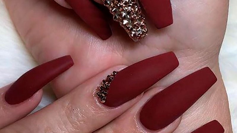 Stylishbelles On Twitter So Cute Maroon Coffin Shaped Nails With Rhinestones Design Stylishbelles For More Fall Nails Designs Https T Co Nfozten6bg Fallnails Autumnnails Nailtrends Coffinnails Https T Co O6megcis9y